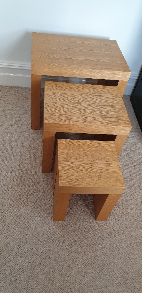 Set of 3 solid wood nest of tables