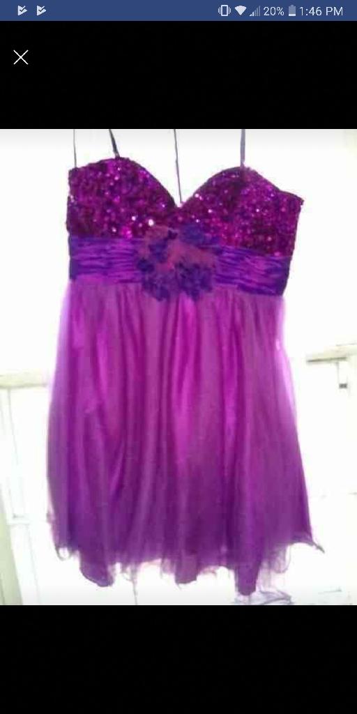 Sleeveless knee high prom dress