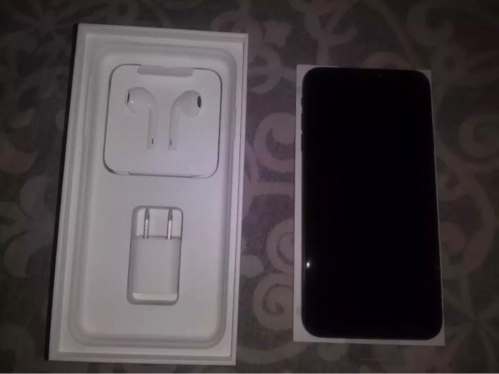 iPhone X's Max