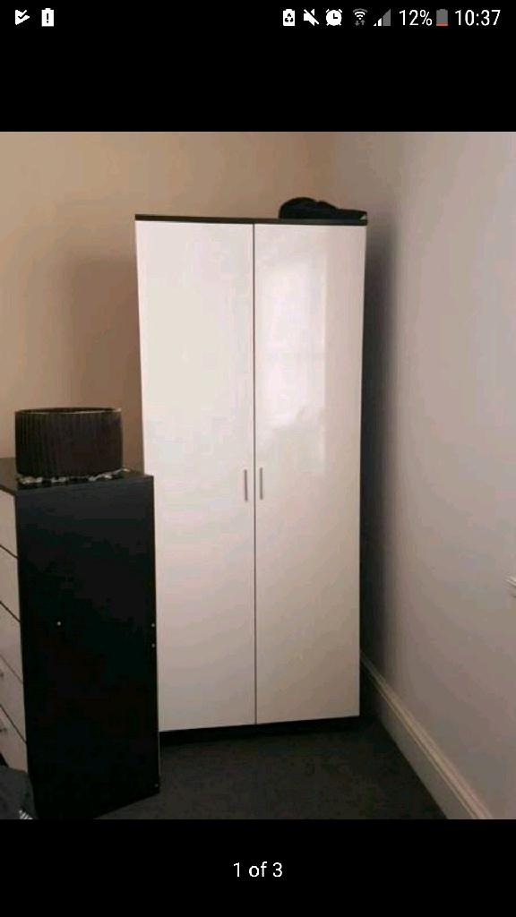 1 wardrobes 1 5 chest draw
