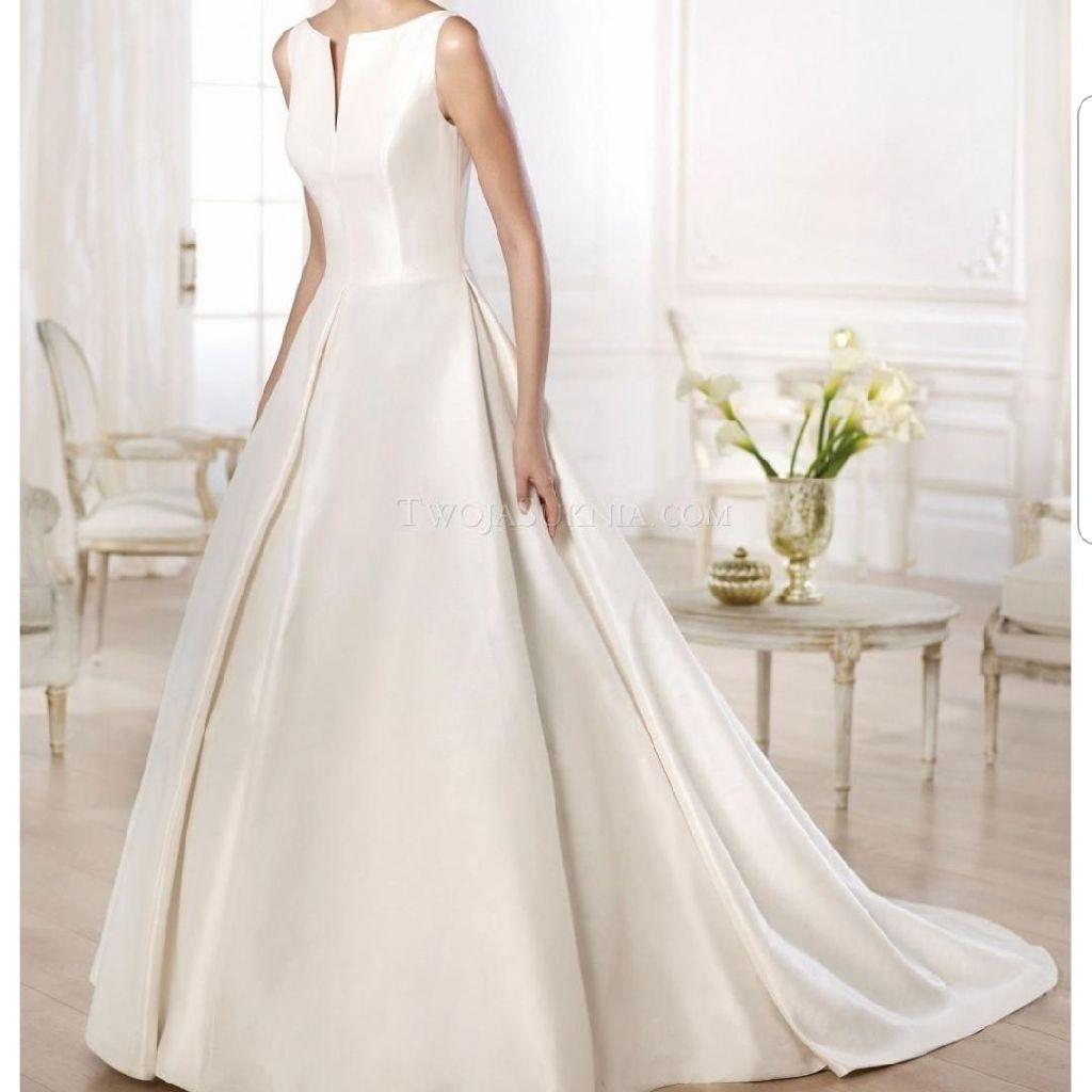 Stunning Pronovias Odisea bridal gown