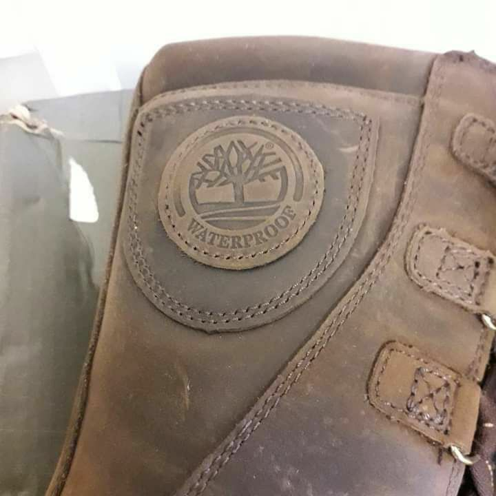Youth Leather Timberland 100% waterproof new with Box RRP£140