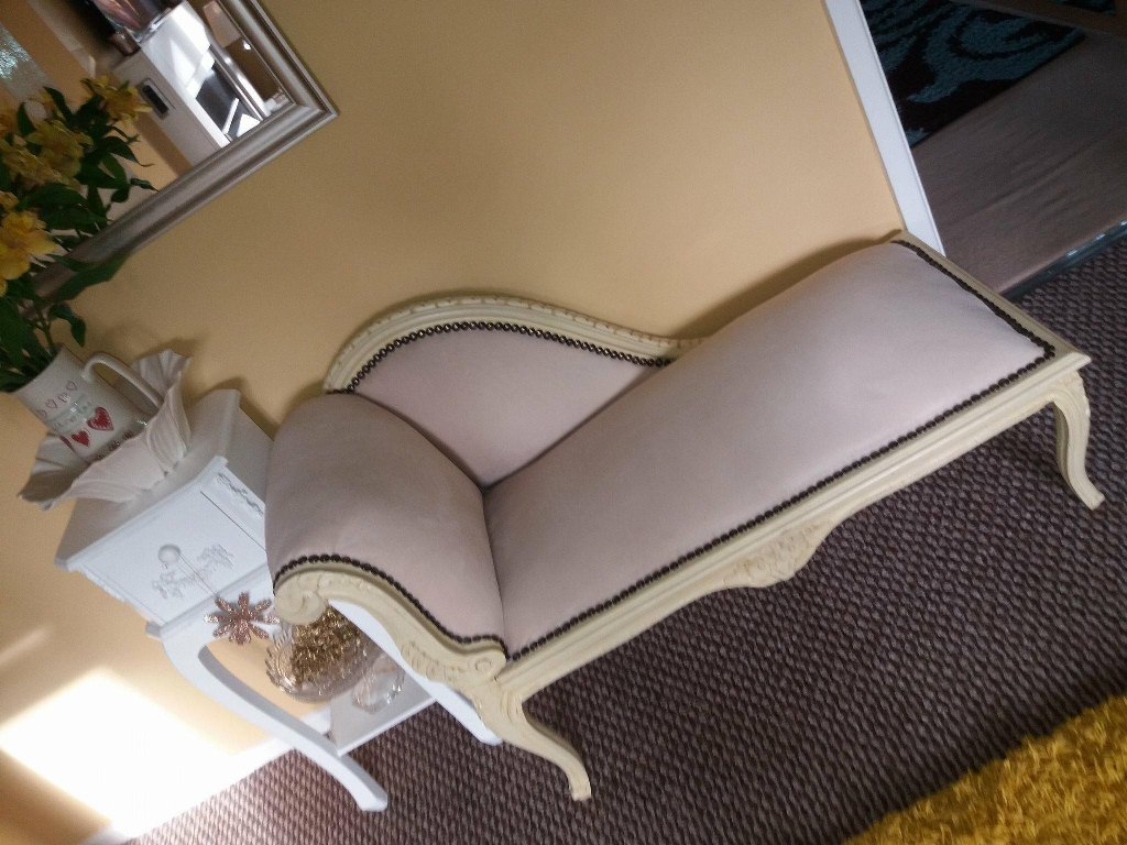 Shabby Chic Chaise Lounge Village