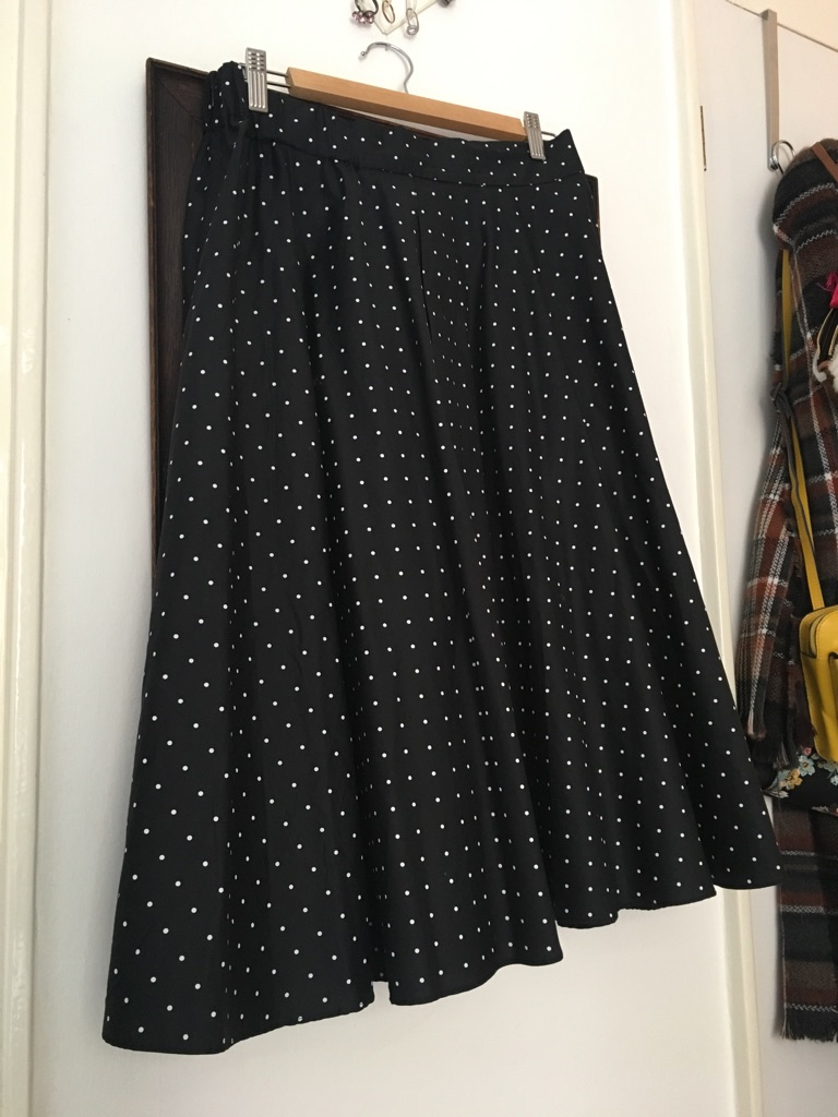 Uniqlo polka dot skirt size L
