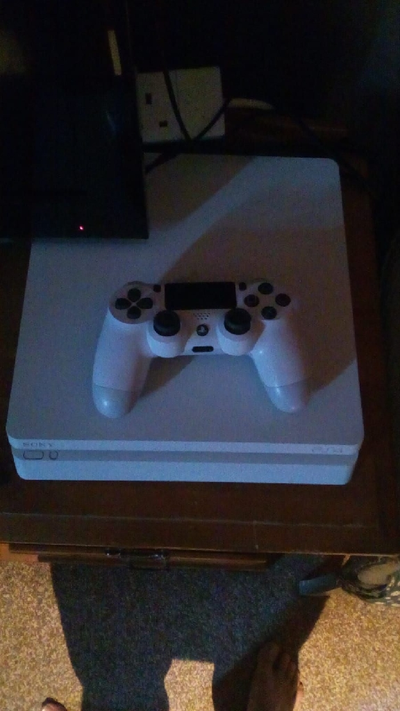PS4 slimline white 500gb