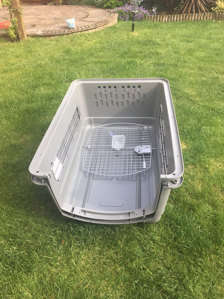 Large dog travel box
