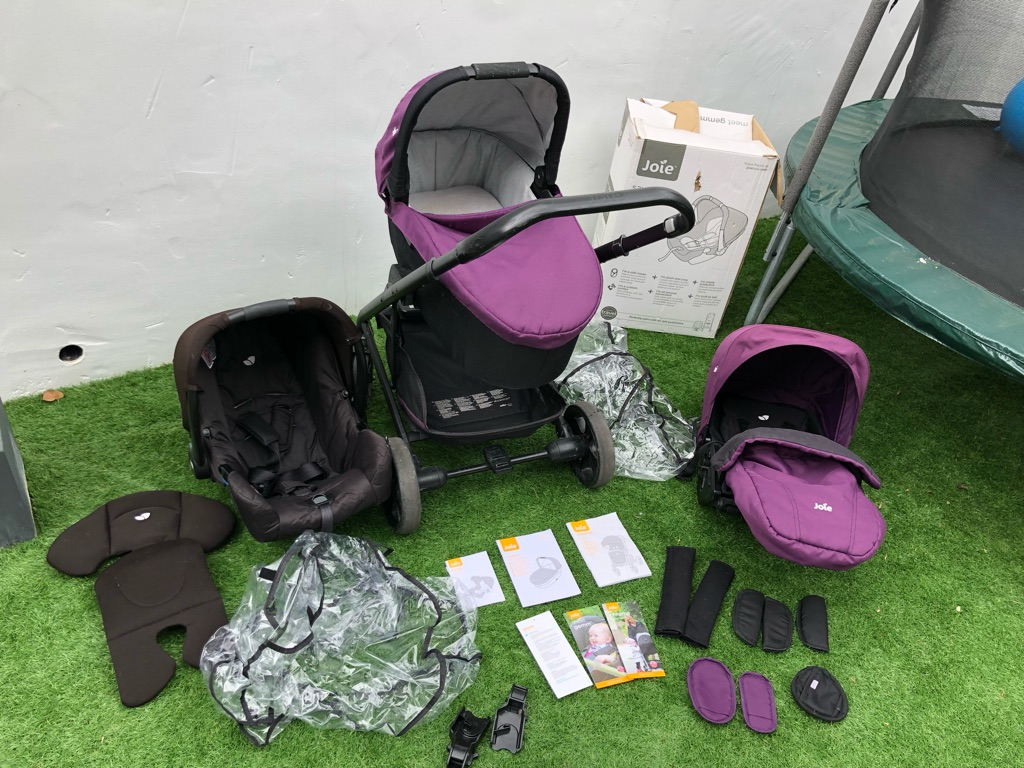 Joie Crome 3in1 travel system for sale with isofix base