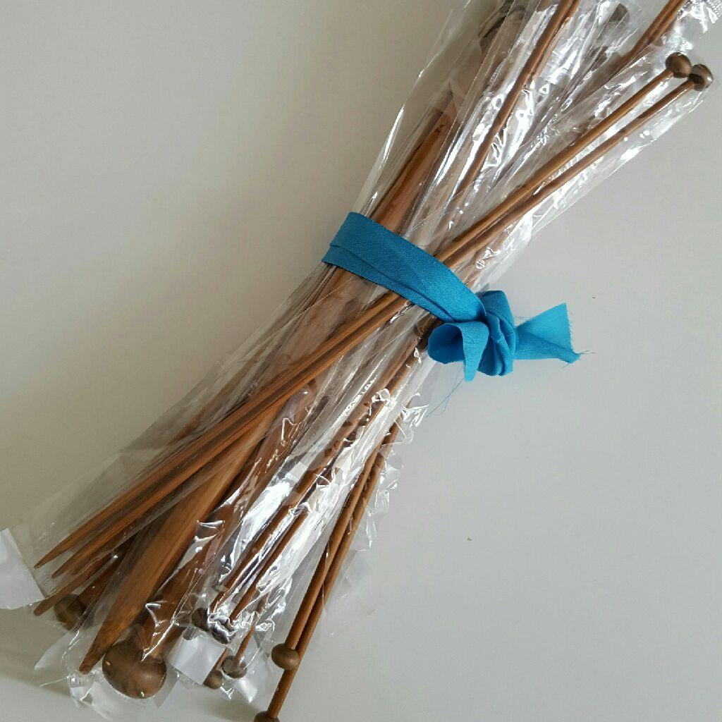 14 pairs of bamboo knitting needles