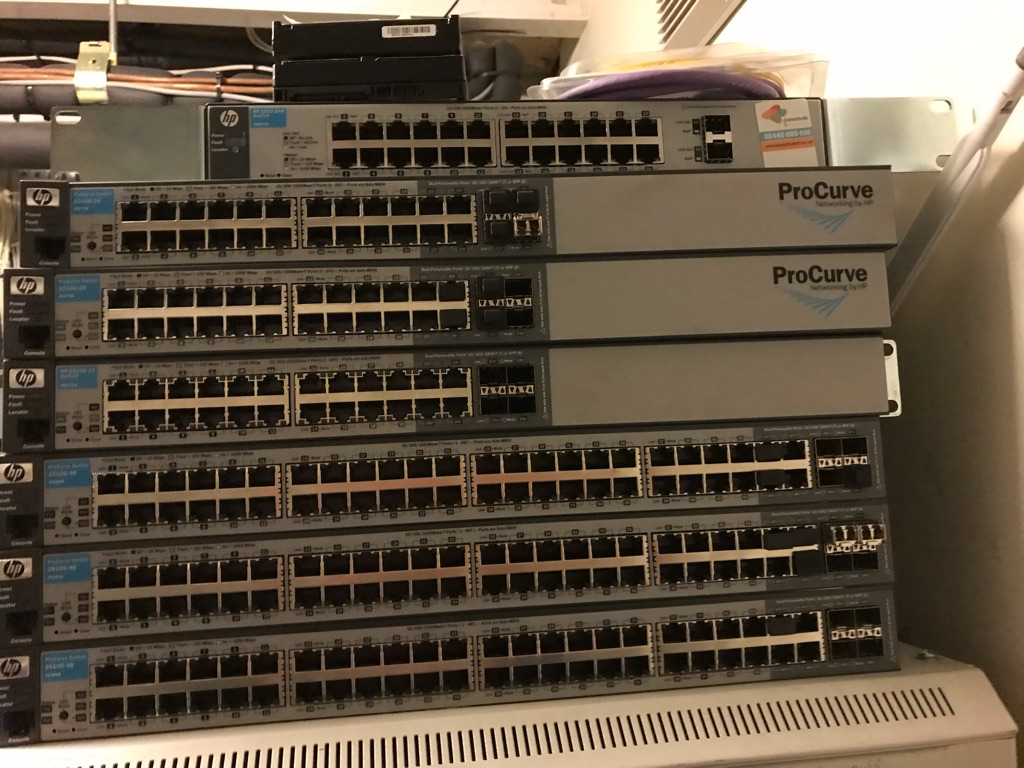 HP 2500 Pro Curve Switches