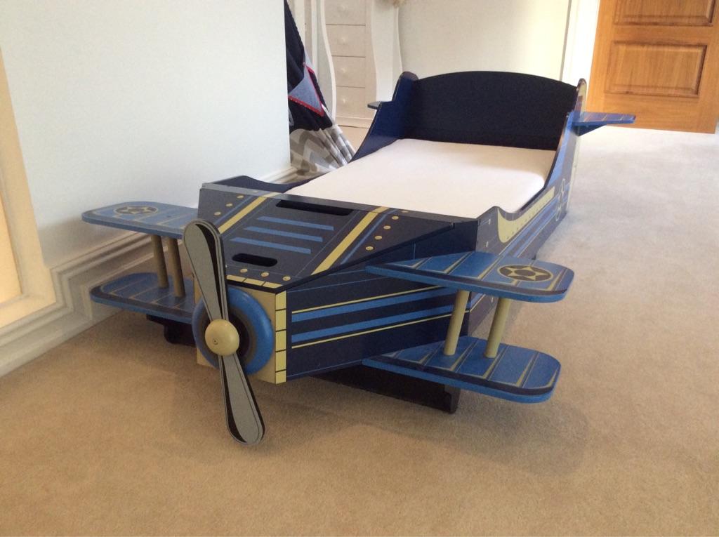 Aeroplane toddler bed