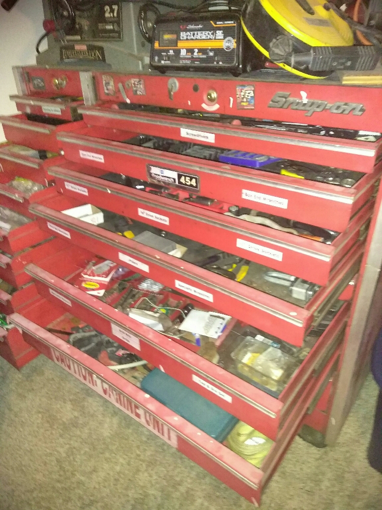 Snap-on TOOLBOX with tools