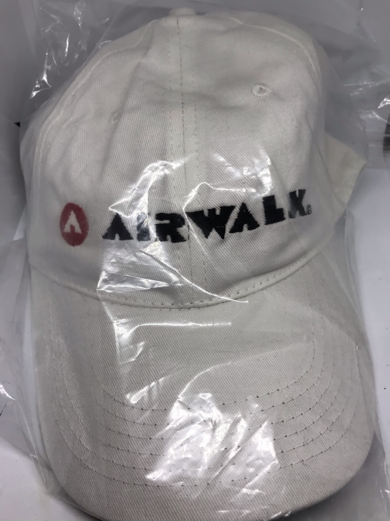 Airwalk Baseball Cap-White