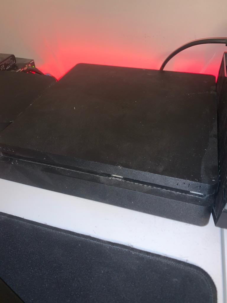 PS4 - 500GB