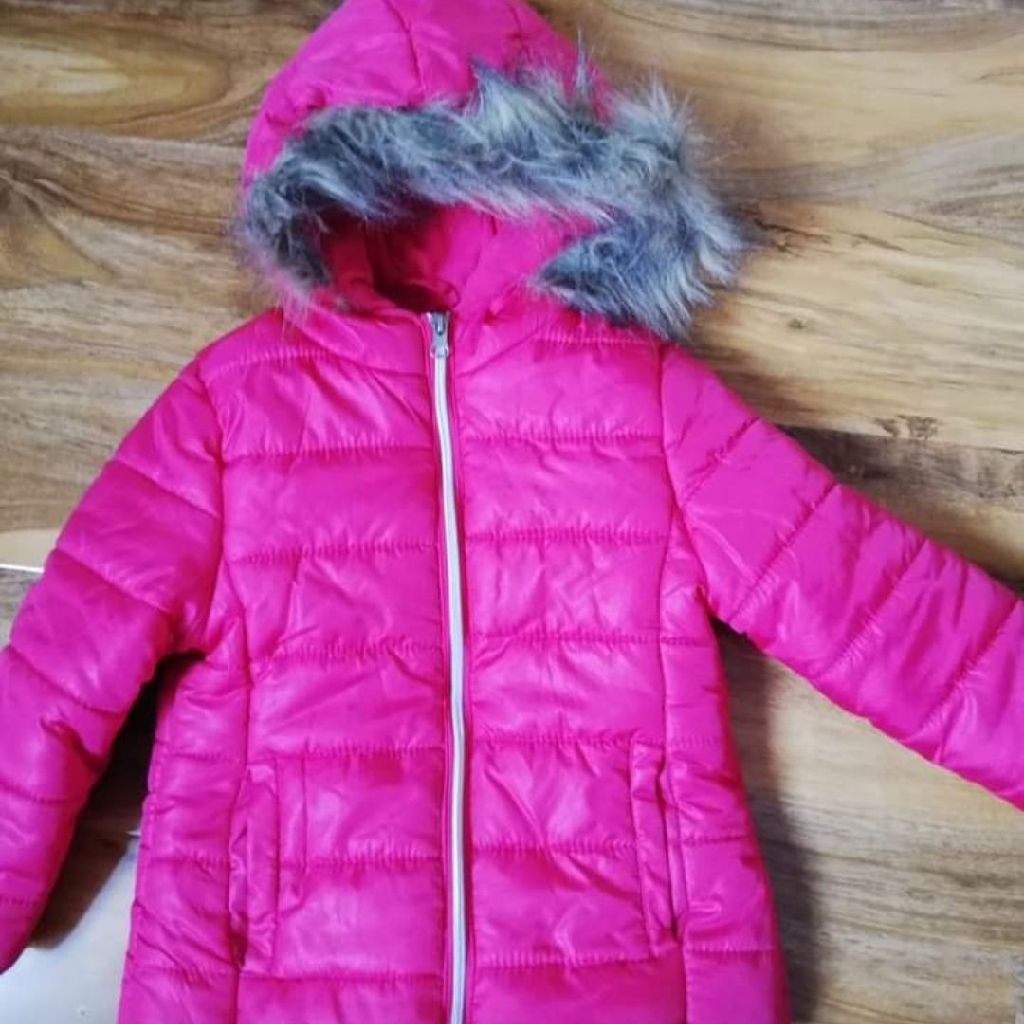 Immaculate condition girls jacket size 3-4 years (104cm)