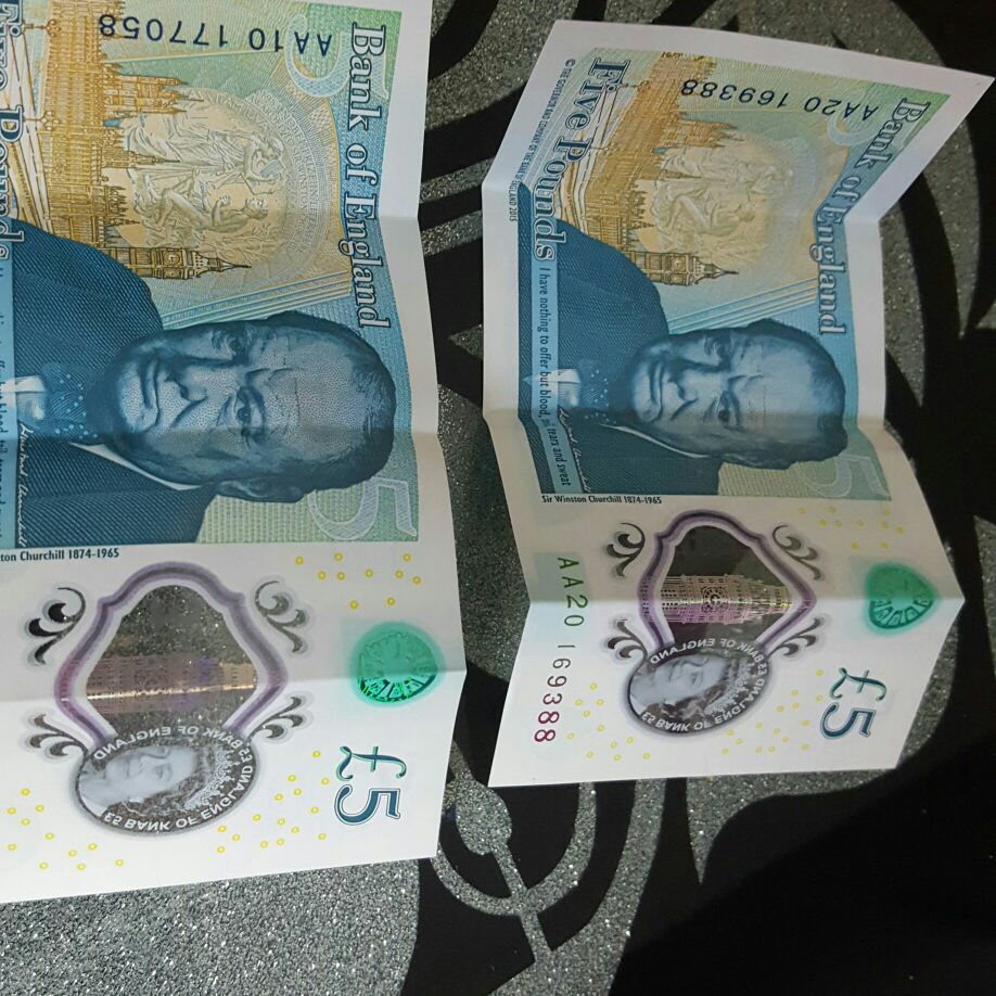 New £5 notes AA