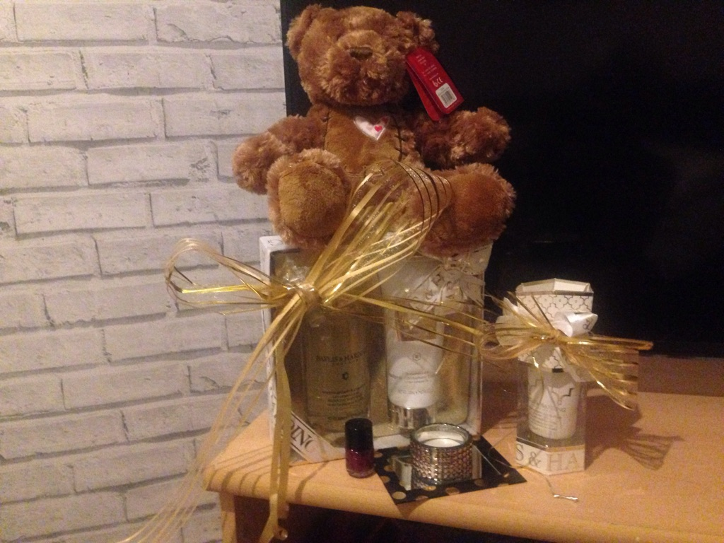 £15 teddy bear Pamper pack