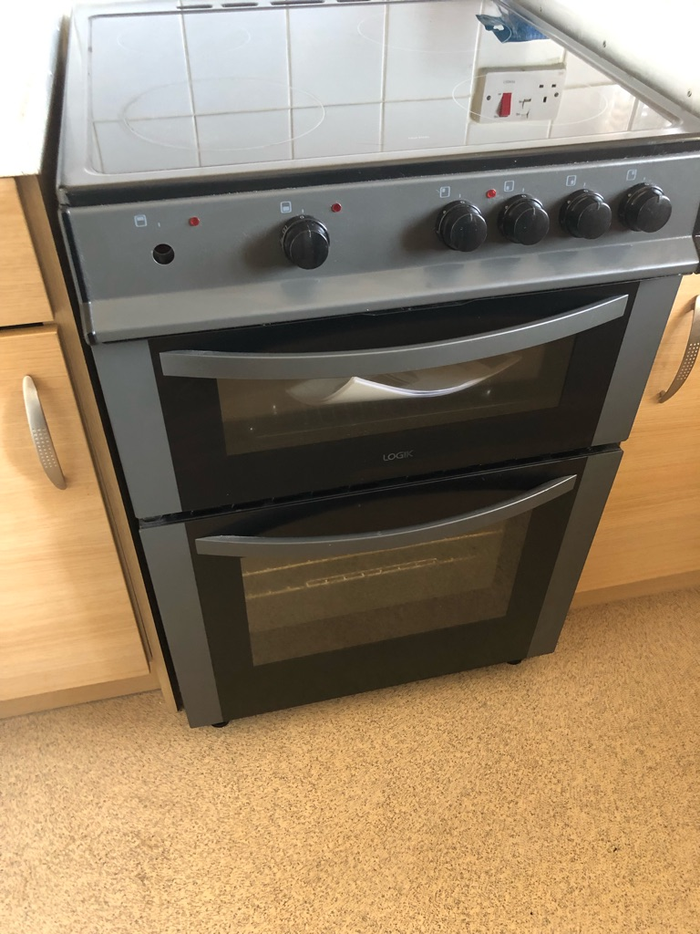Logik freestanding electric Cooker