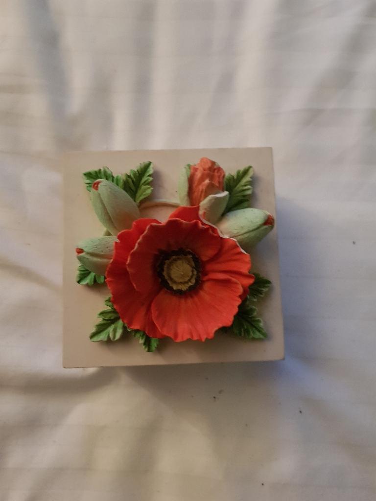 small poppy trinket box