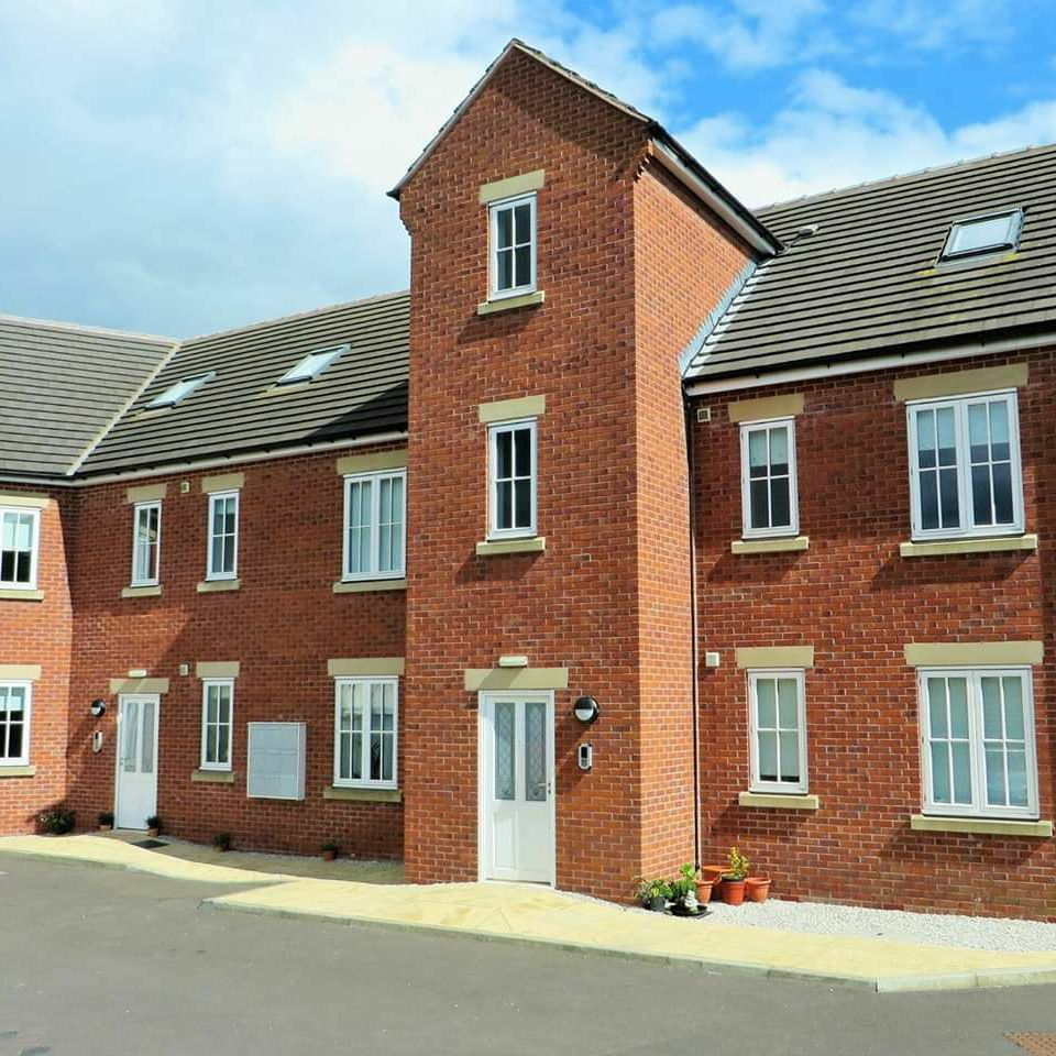 2 bed apartment on Featherbed Close in Shuttlewood To RENT. Available now!