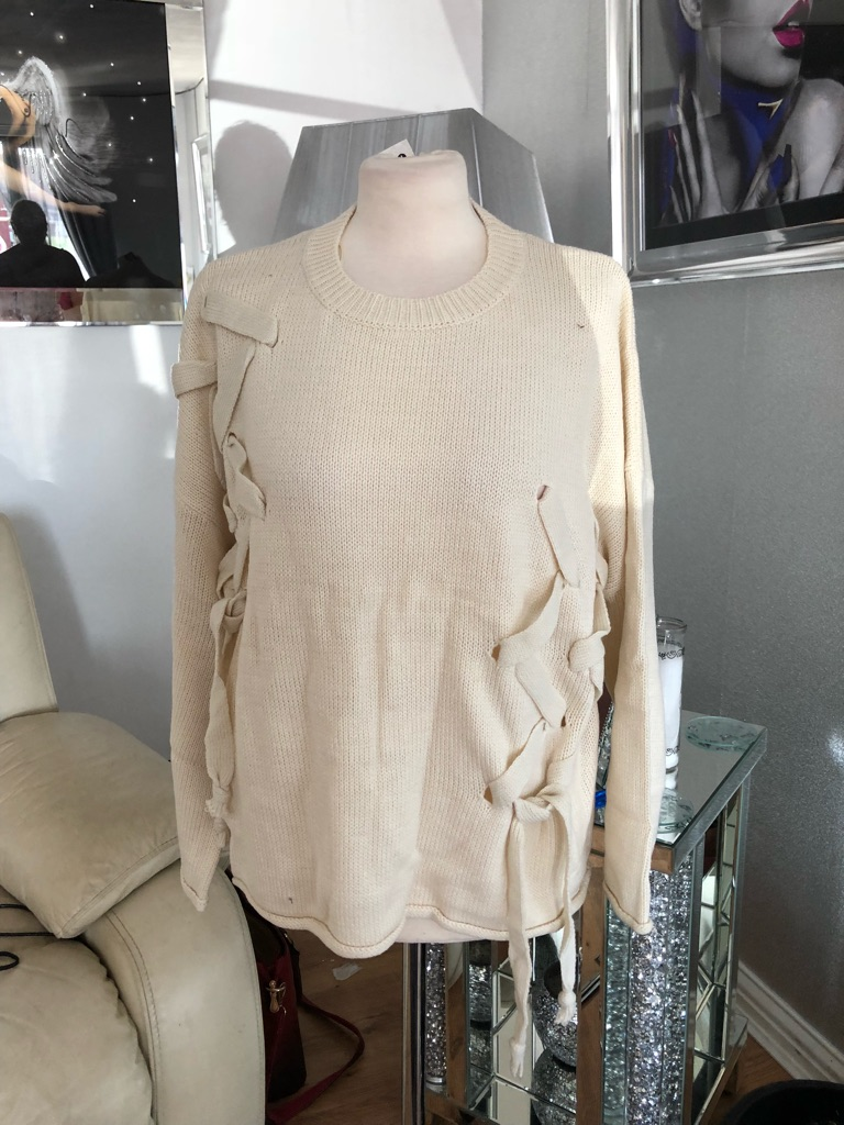 Women's cream jumper by boohoo one size