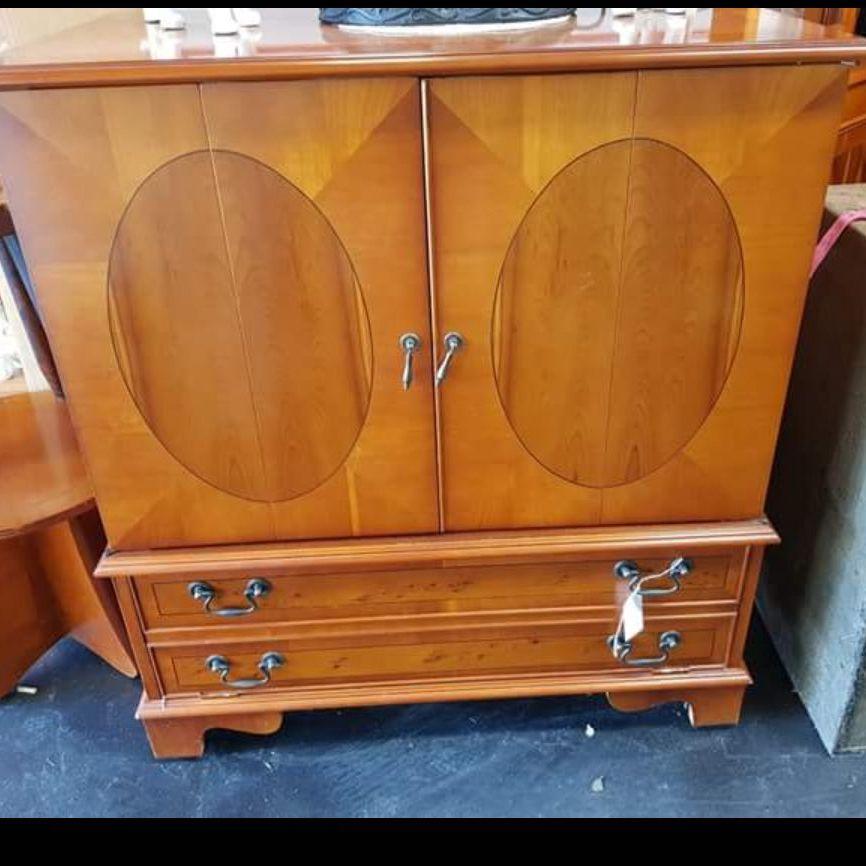Vintage tv cabinet