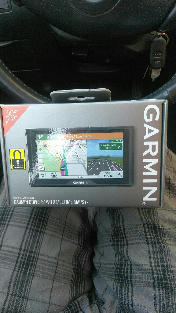 "Garmin Drive 6"" screen with Lifetime Maps"