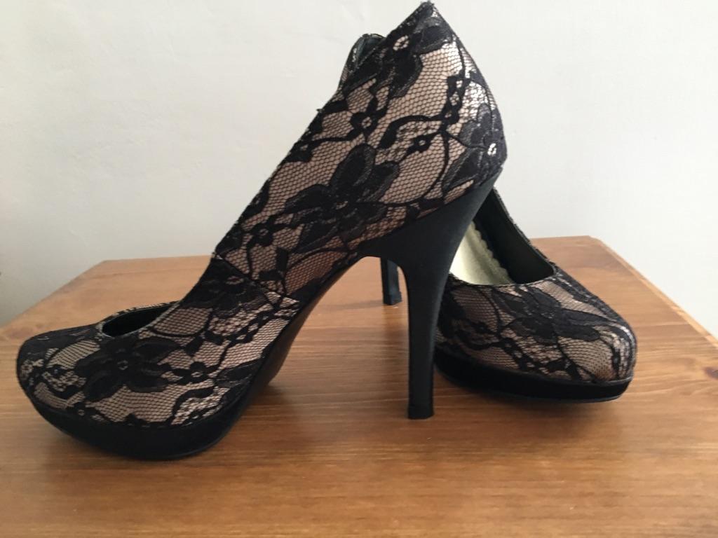Black lace size 3 heels