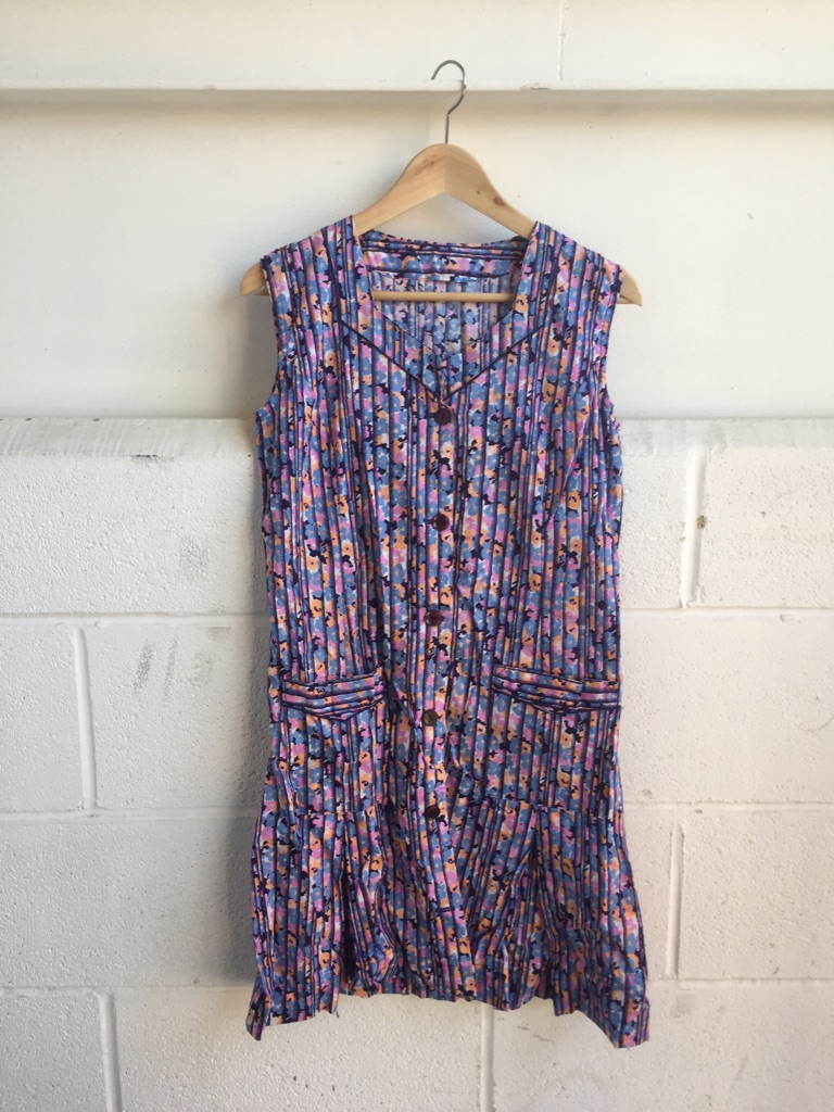Original patterned vintage dress size 10