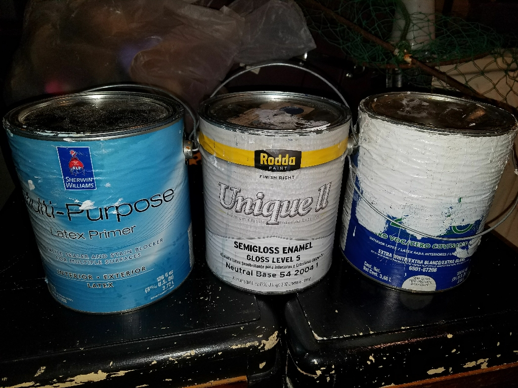 3 Gallons Blue and White Pain interior and Exterior