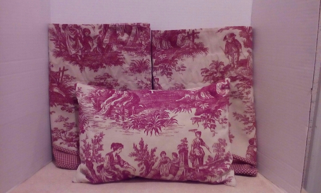 Waverly Pillow and 2 Pr. Of Valances