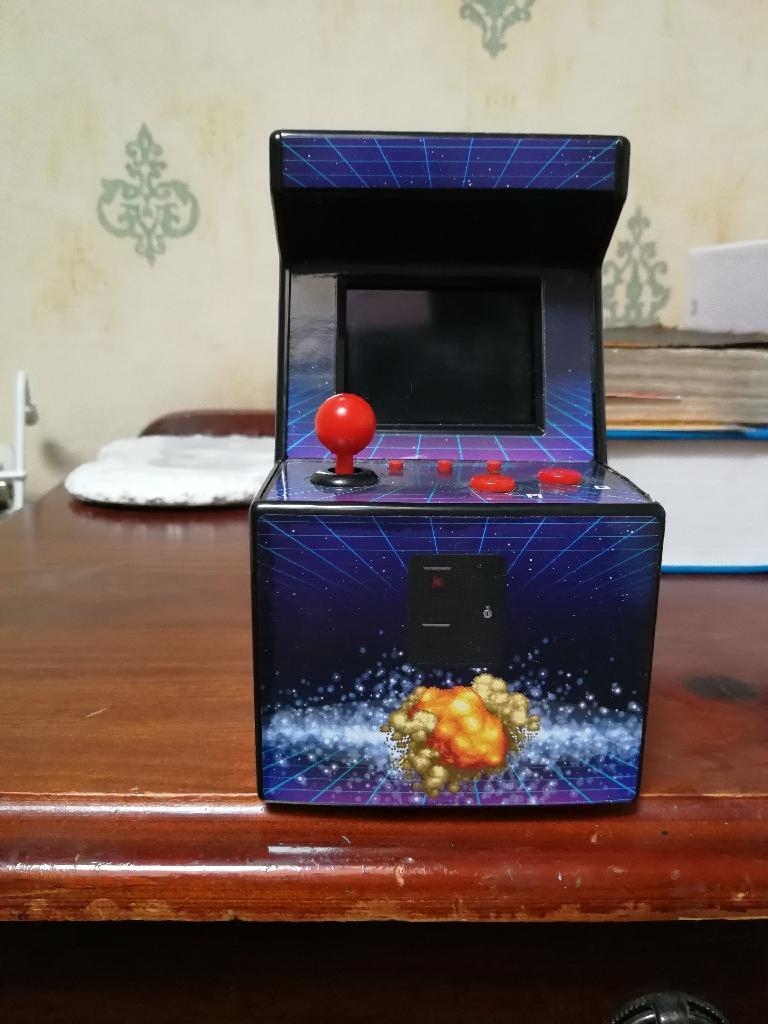 Mini Arcade Machine (200 built-in games)