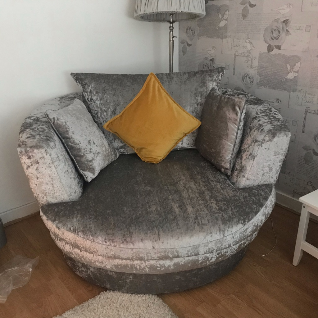 Xl crushed velvet cuddle chair