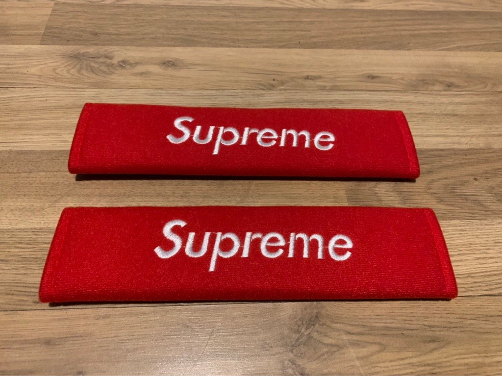 2X Seat Belt Pads Gifts Present Supreme Red White Clothes Velcro Clothing Spring Collection Summer Autumn Winter Audi BMW Mercedes Volkswagen VW Peugeot Car Interior Accessories