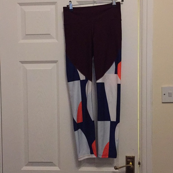 XS under armour colour block leggings