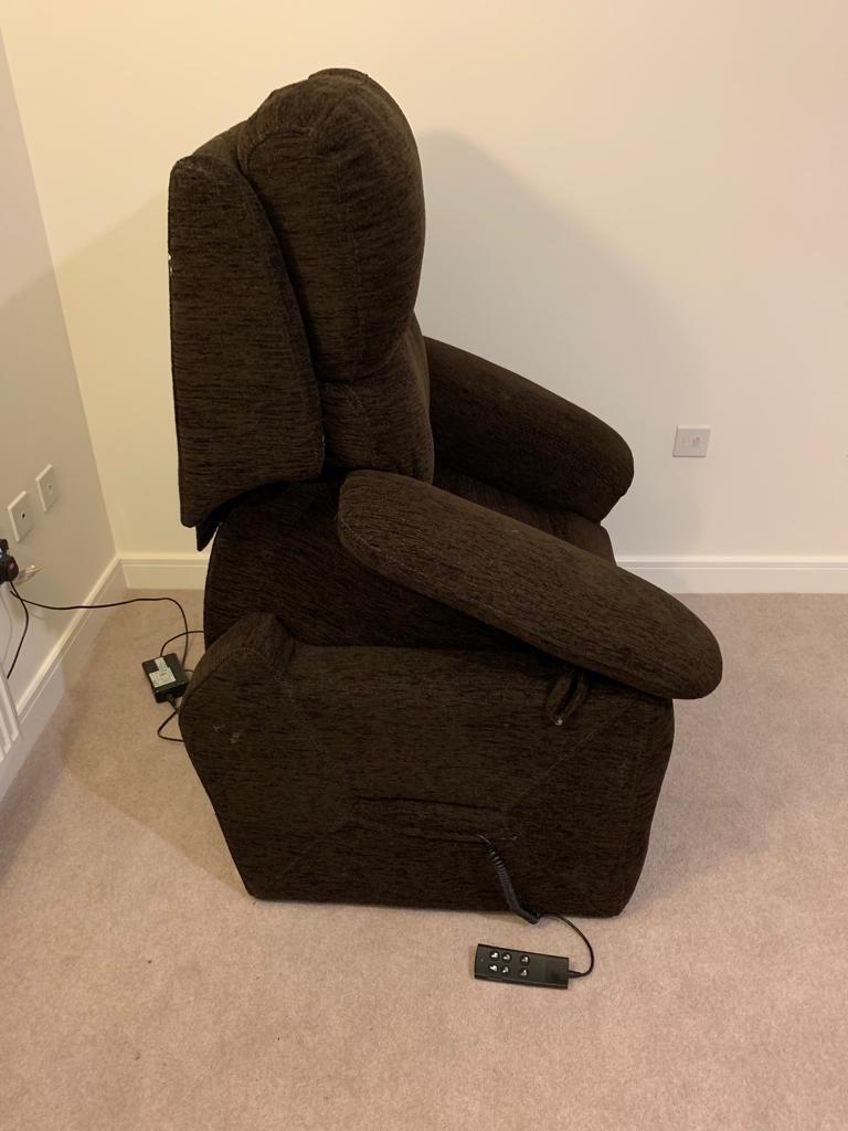 Electric brown riser chair
