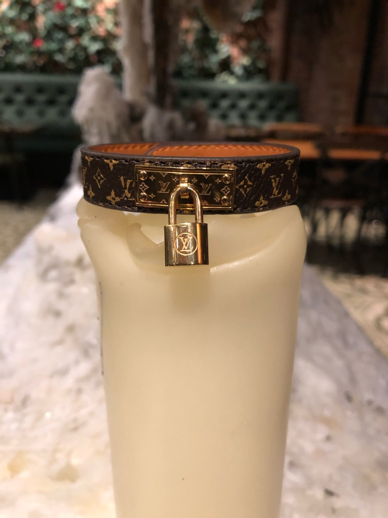 Customized LV bracelet Lock Me