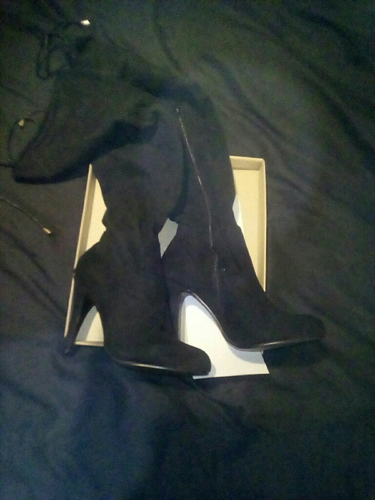 Brand New Black Suede Knee High Boots Size 6
