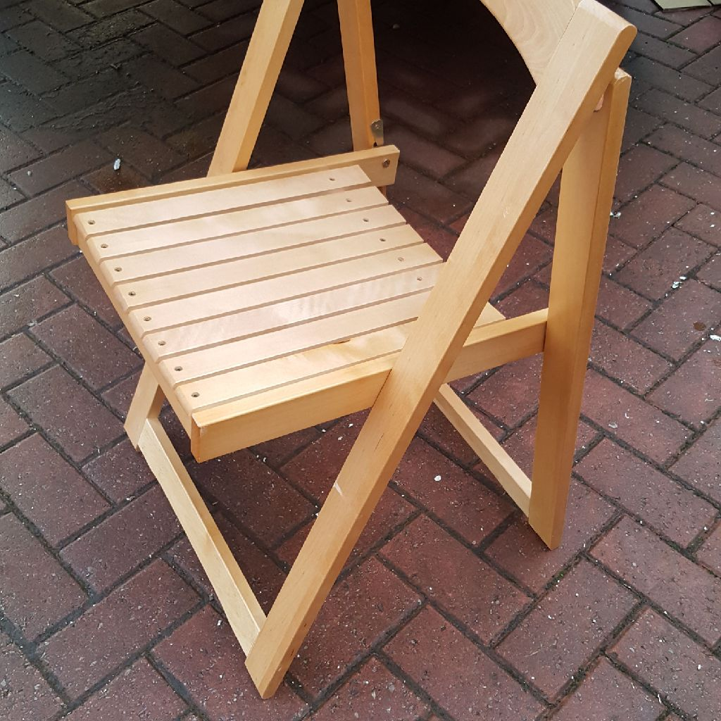 Brand new 8 folding chairs £160