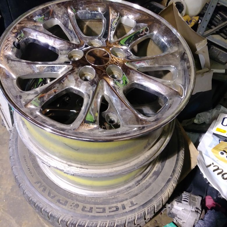 2002 chrysler 300m wheels. 225 55 17