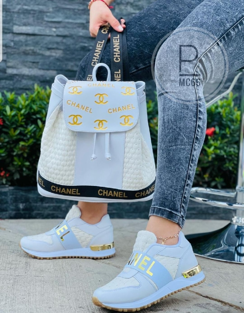 Fashion  sets sneakers