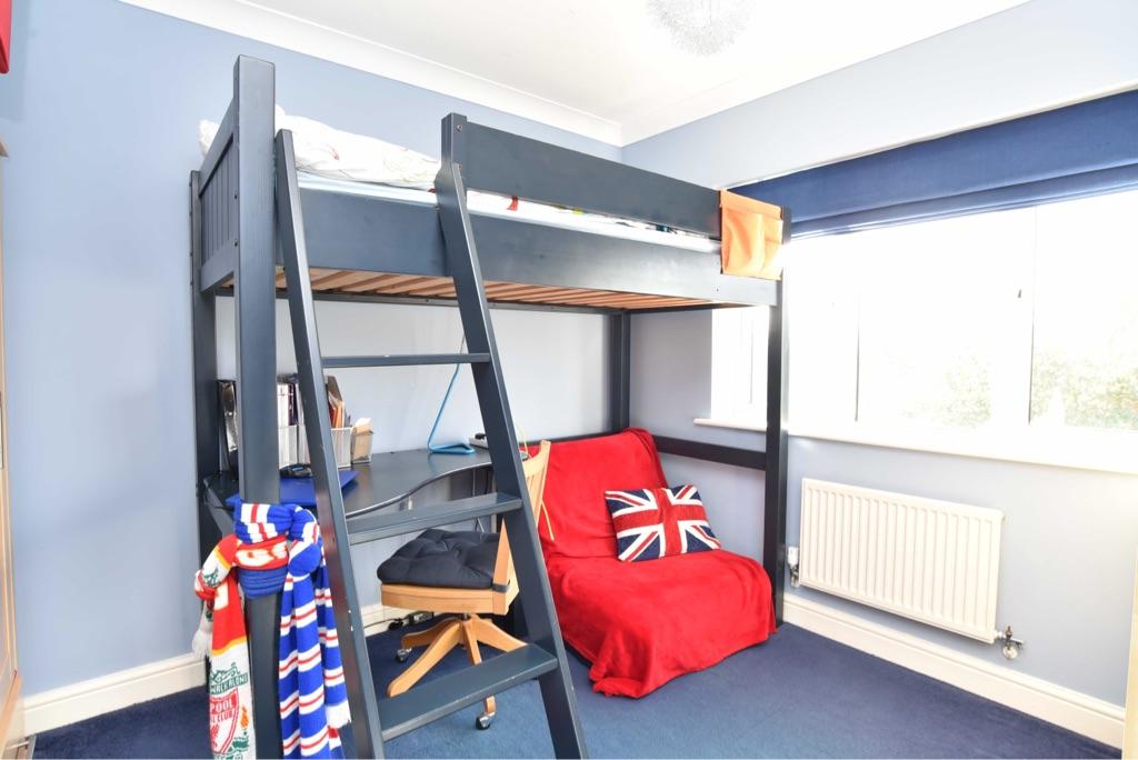 Sturdy high sleeper incl desk & futon