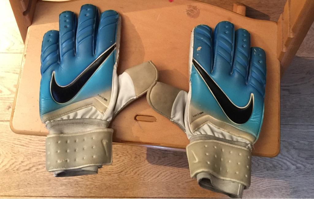 Nike Goalkeeper Gloves Men's size 10