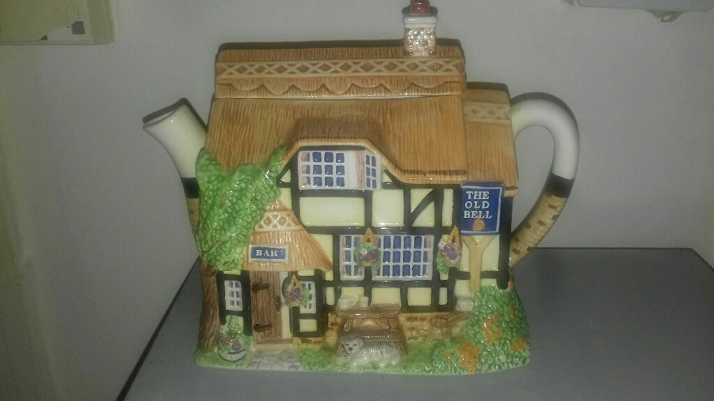 'The Old Bell Pub' Teapot