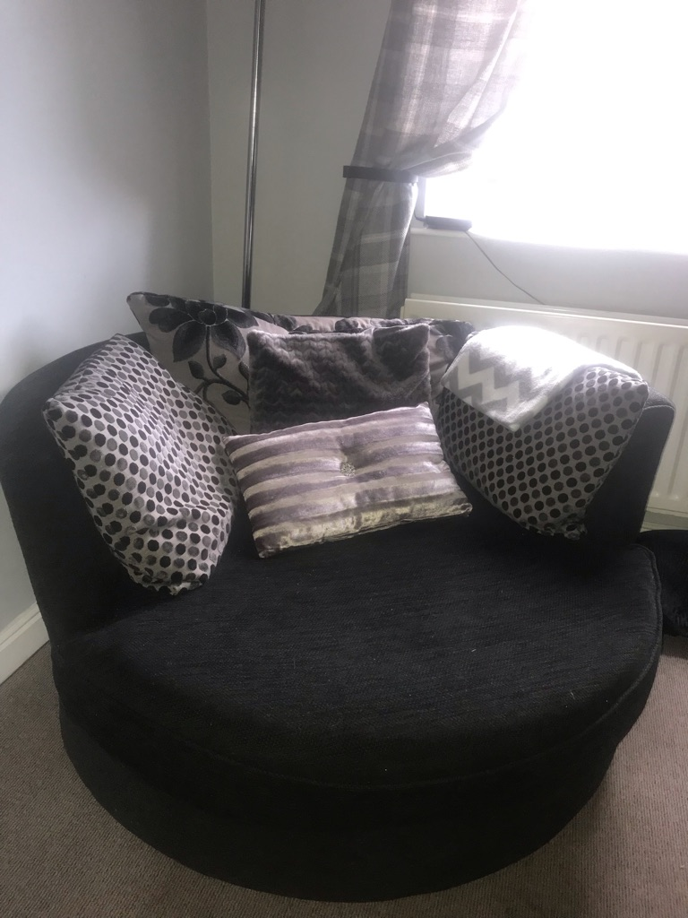 DFS 3 seater sofa & cuddle chair