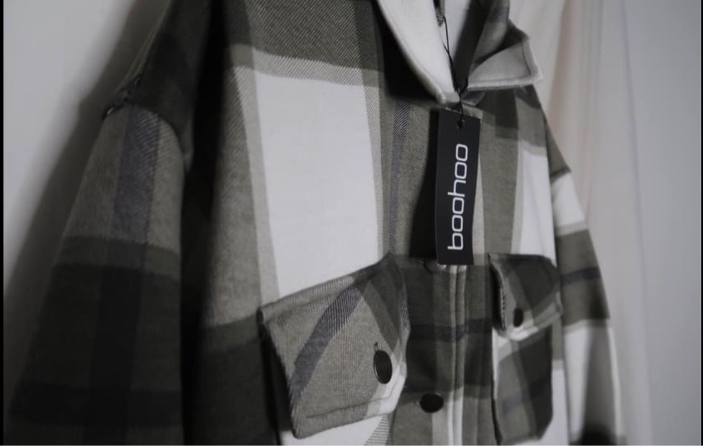 BOOHOO KHAKI SHACKET (Brand New) medium size
