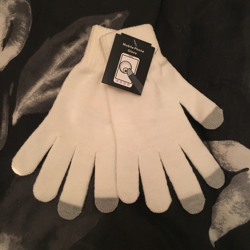 Brand-new with label cream gloves