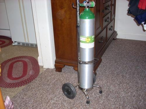 Oxygen tank with cart