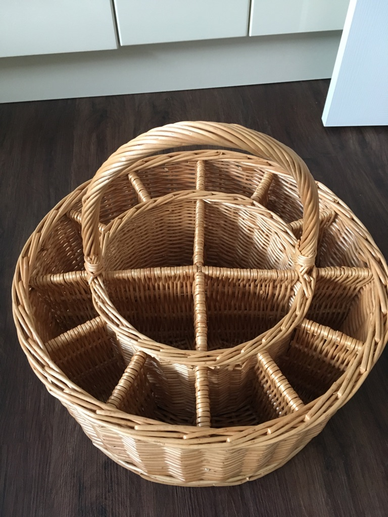 Picnic Champagne wicker basket