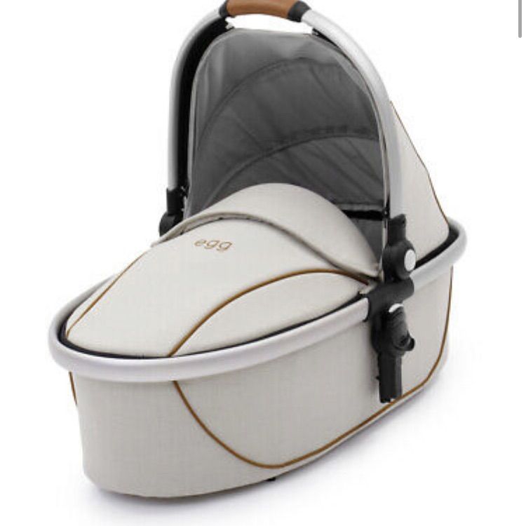 Egg Carrycot with Mattress + Raincover - Prosecco