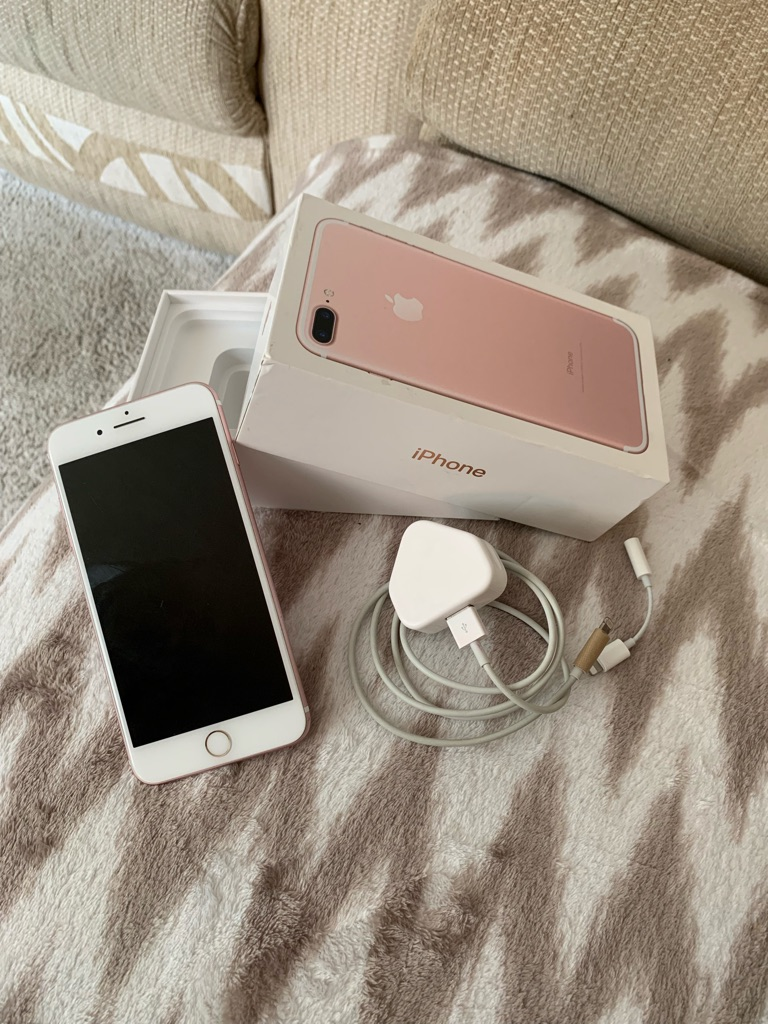 iPhone 7+ in rose gold 32gb